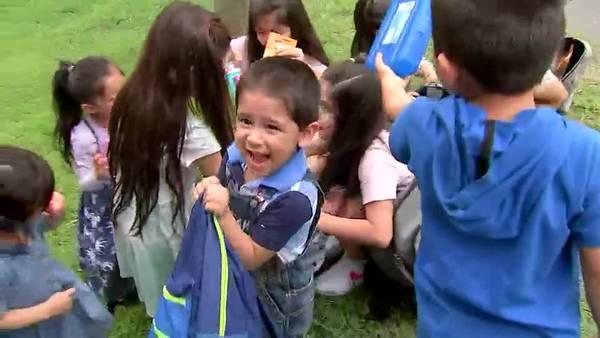 EMISIÓN 8.20.21 |Familia de 16 hijos se prepara para ir a la escuela