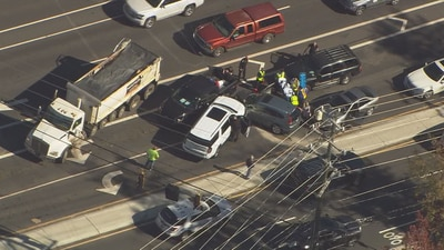 Suspect arrested, another on the run after chase ends in south Charlotte crash, deputies say