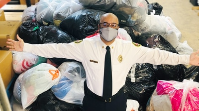 Charlotte Fire Department helps wrap up Steve's Coats for Kids drive