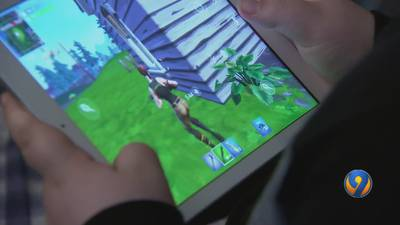 9 Investigates: Rise in health issues seen among young 'Fortnite' players