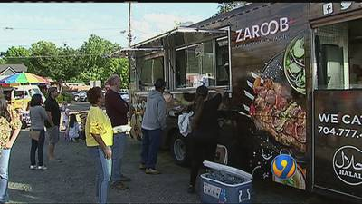 Epicures enjoy music, nice weather at Food Truck Friday