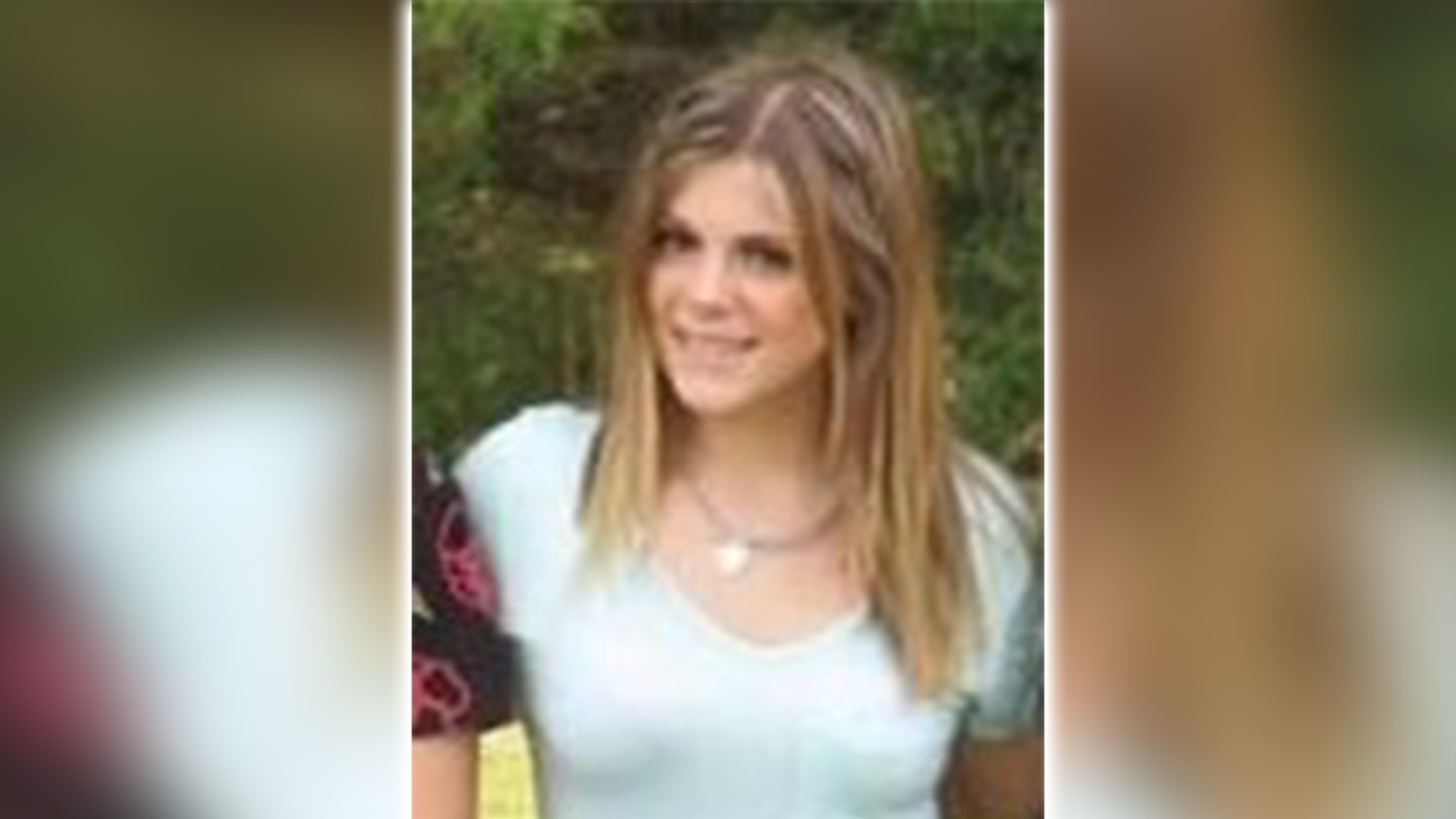 Officials searching for missing 16-year-old girl in Matthews