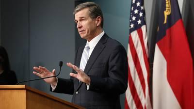 Cooper pide a escuelas reglamentar cubrebocas